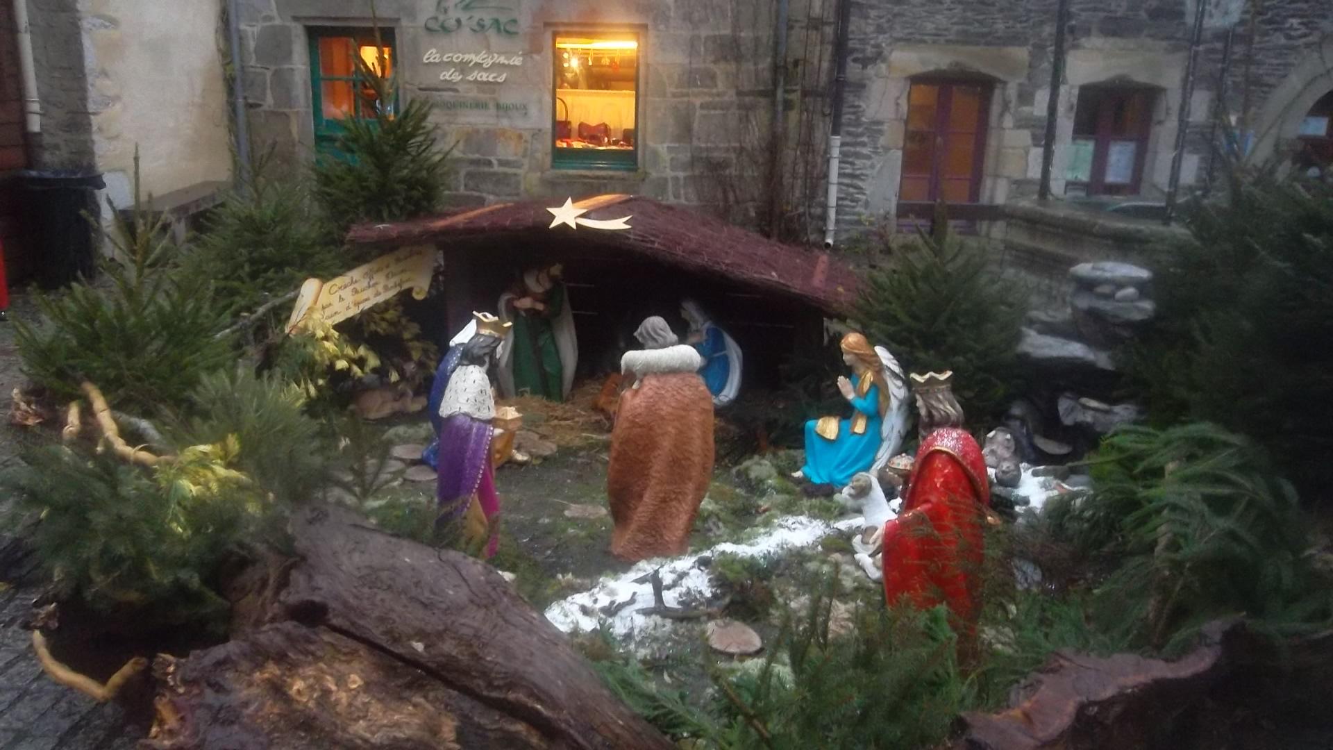 rochefort en terre nativity scene dec13