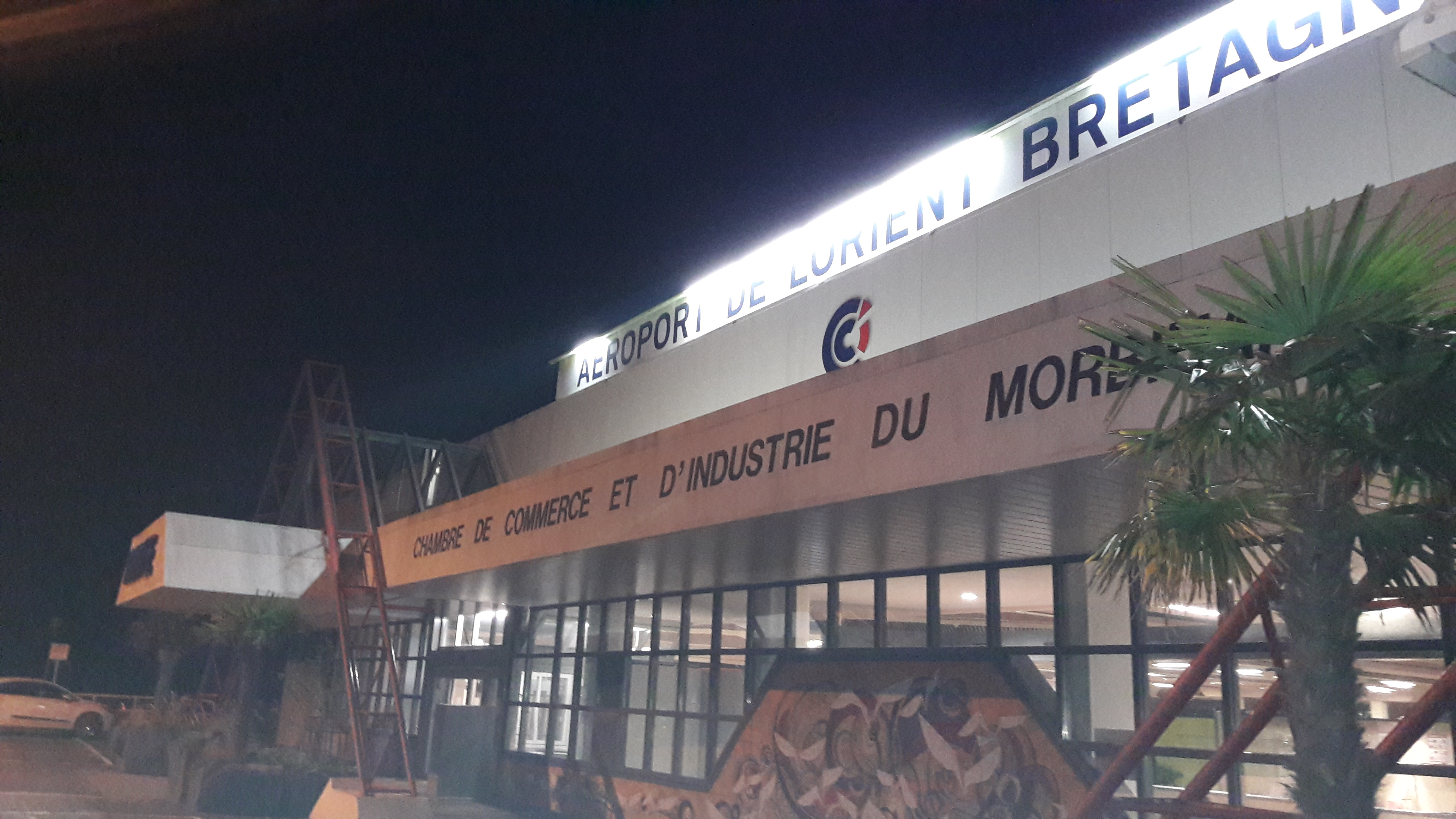 1lorient-airport-arrival-orly-night-oct17