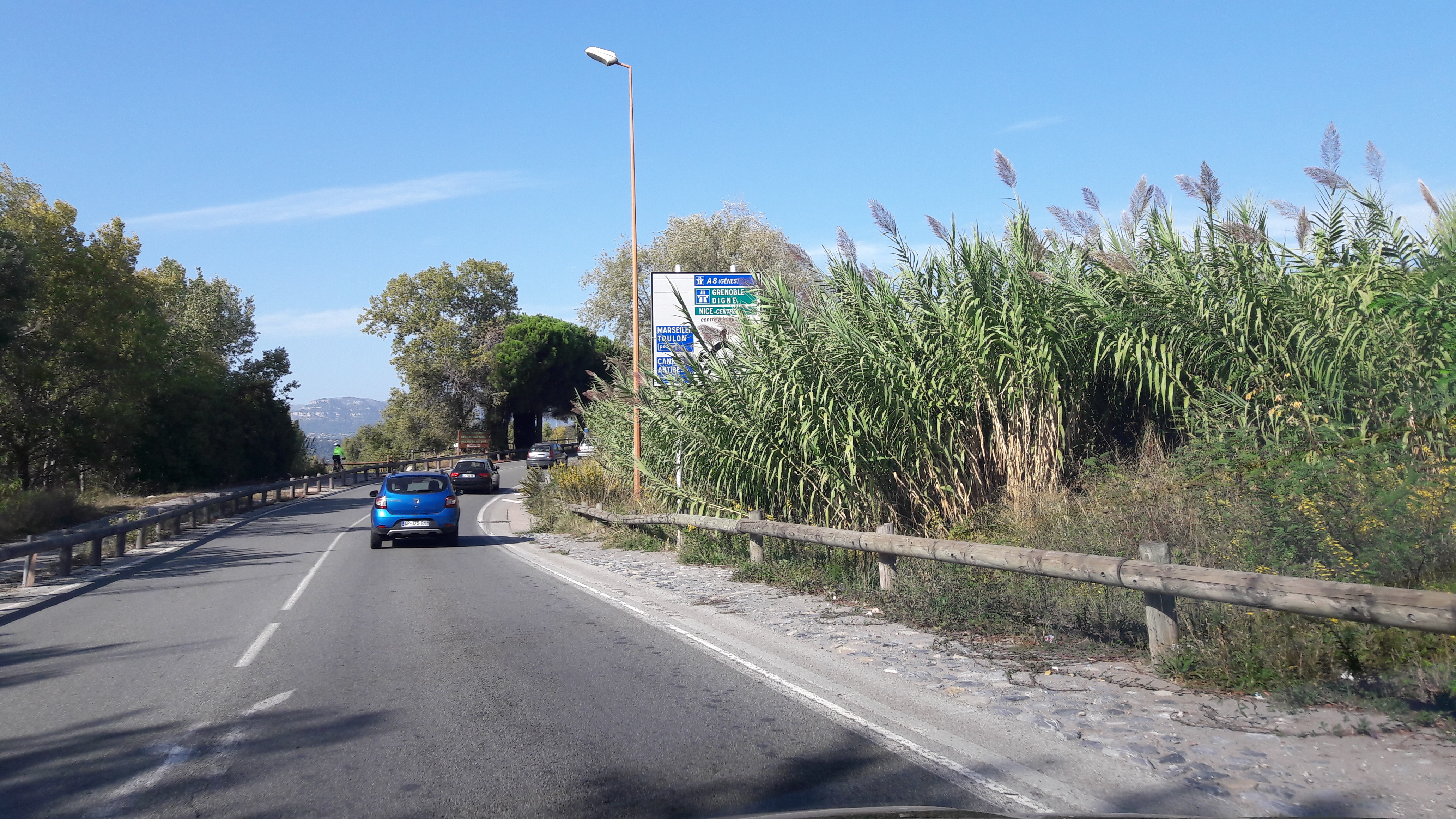 1nice-a8-en-route-out-airport-nice-to-cap-oct17