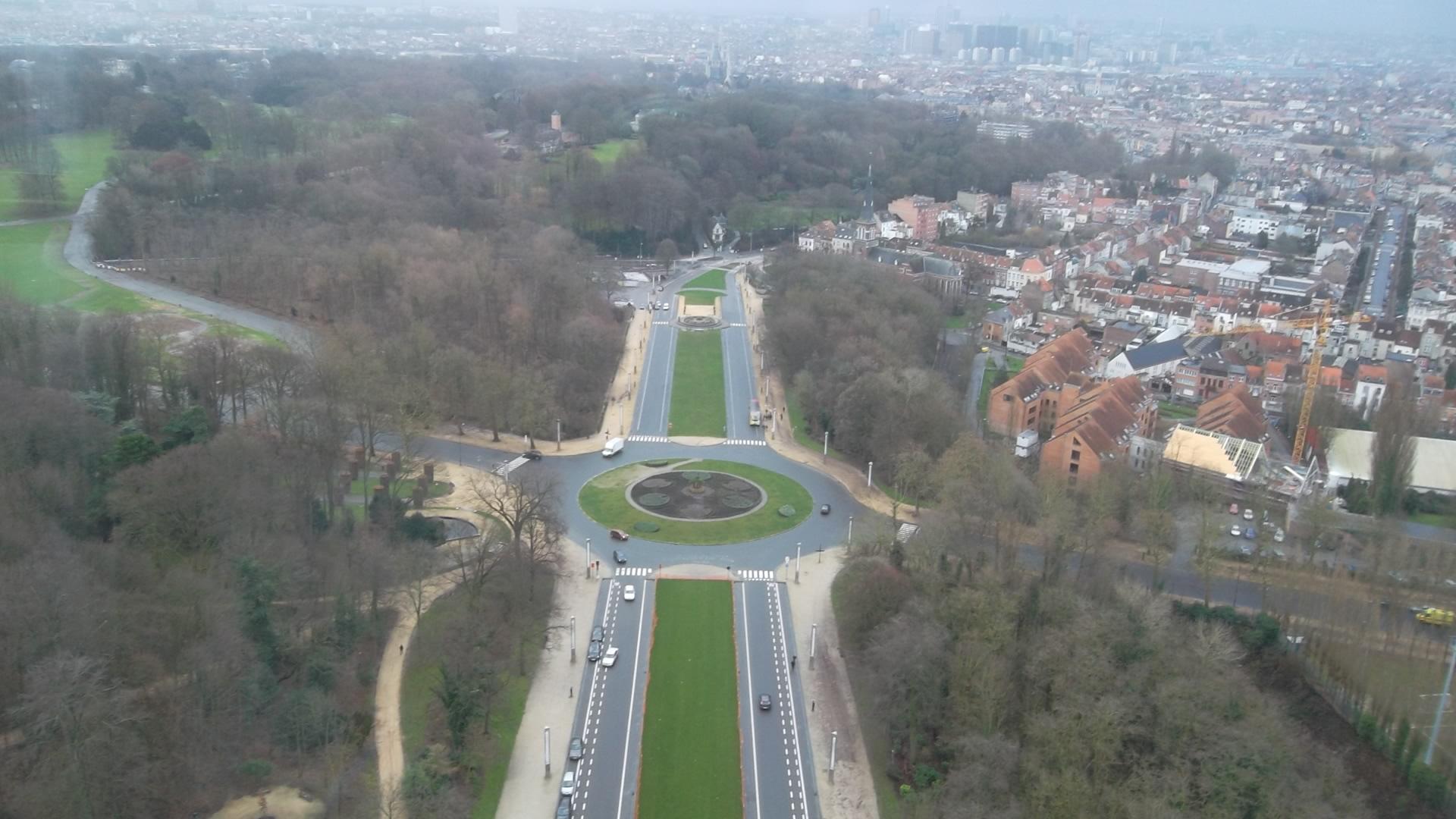 bru-atomium-view-city-dec12