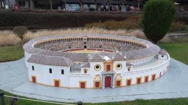 bru-mini-europe-monumental-sevilla-dec12