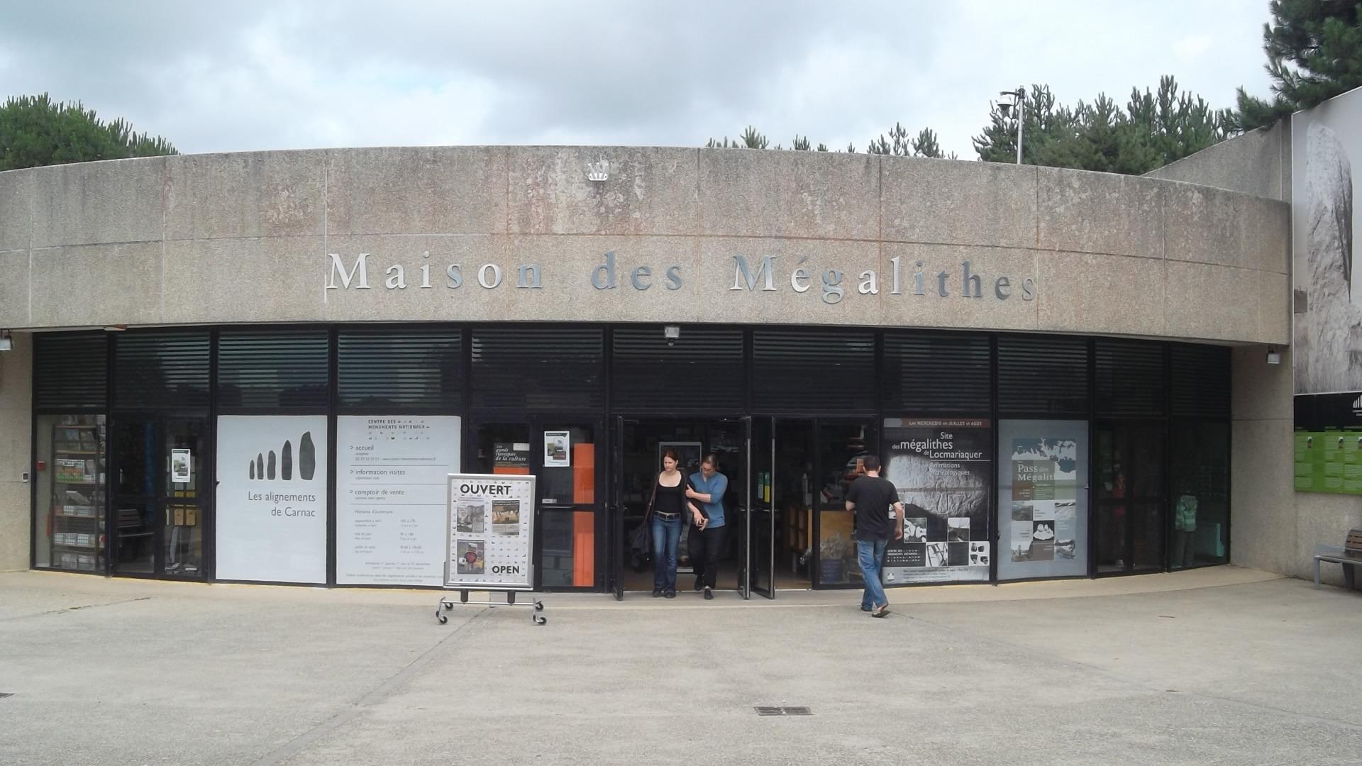 Carnac maison des megalithes jul12