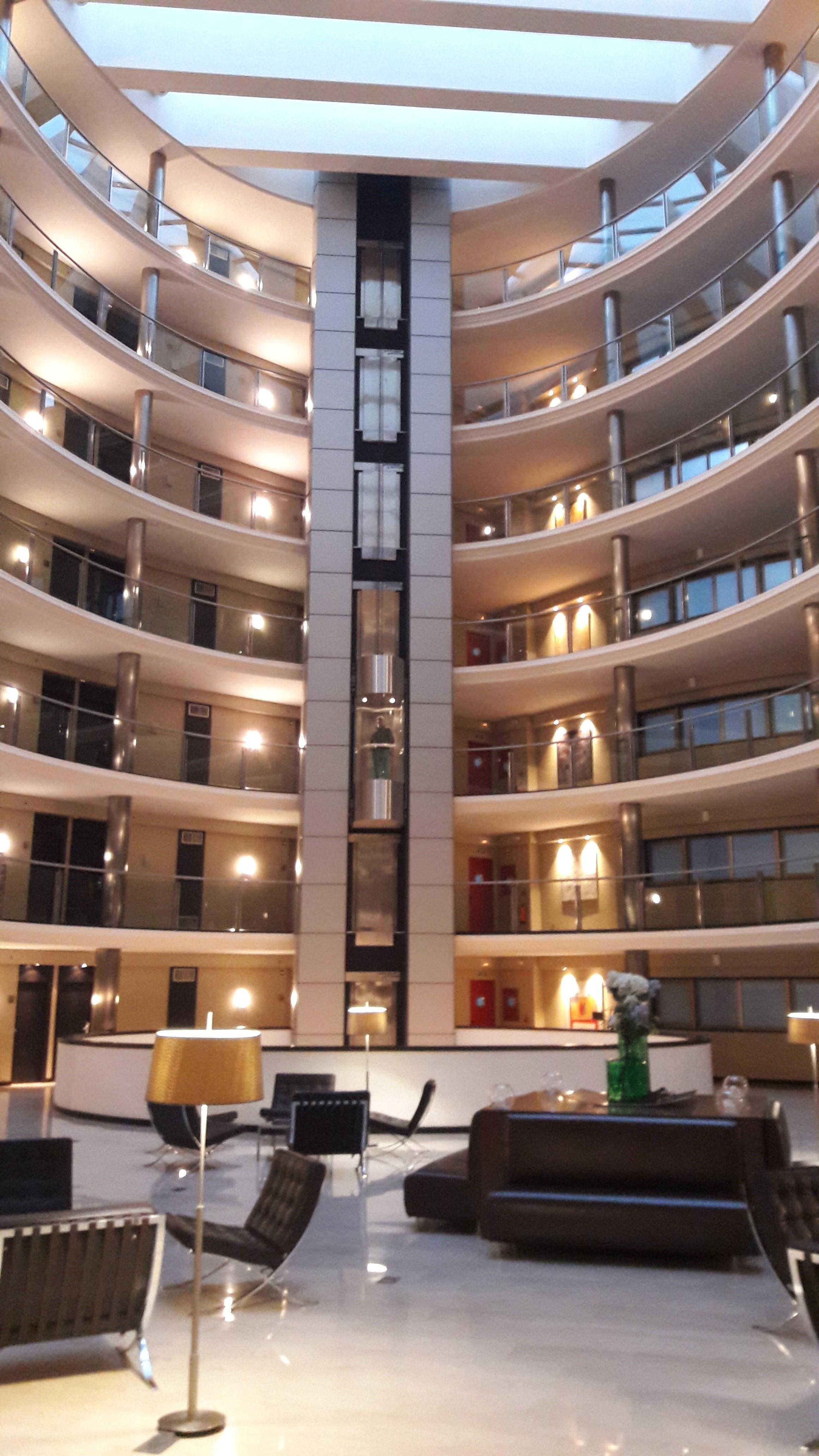 coruna-attica21-hotel-inner-courtyard-apr17