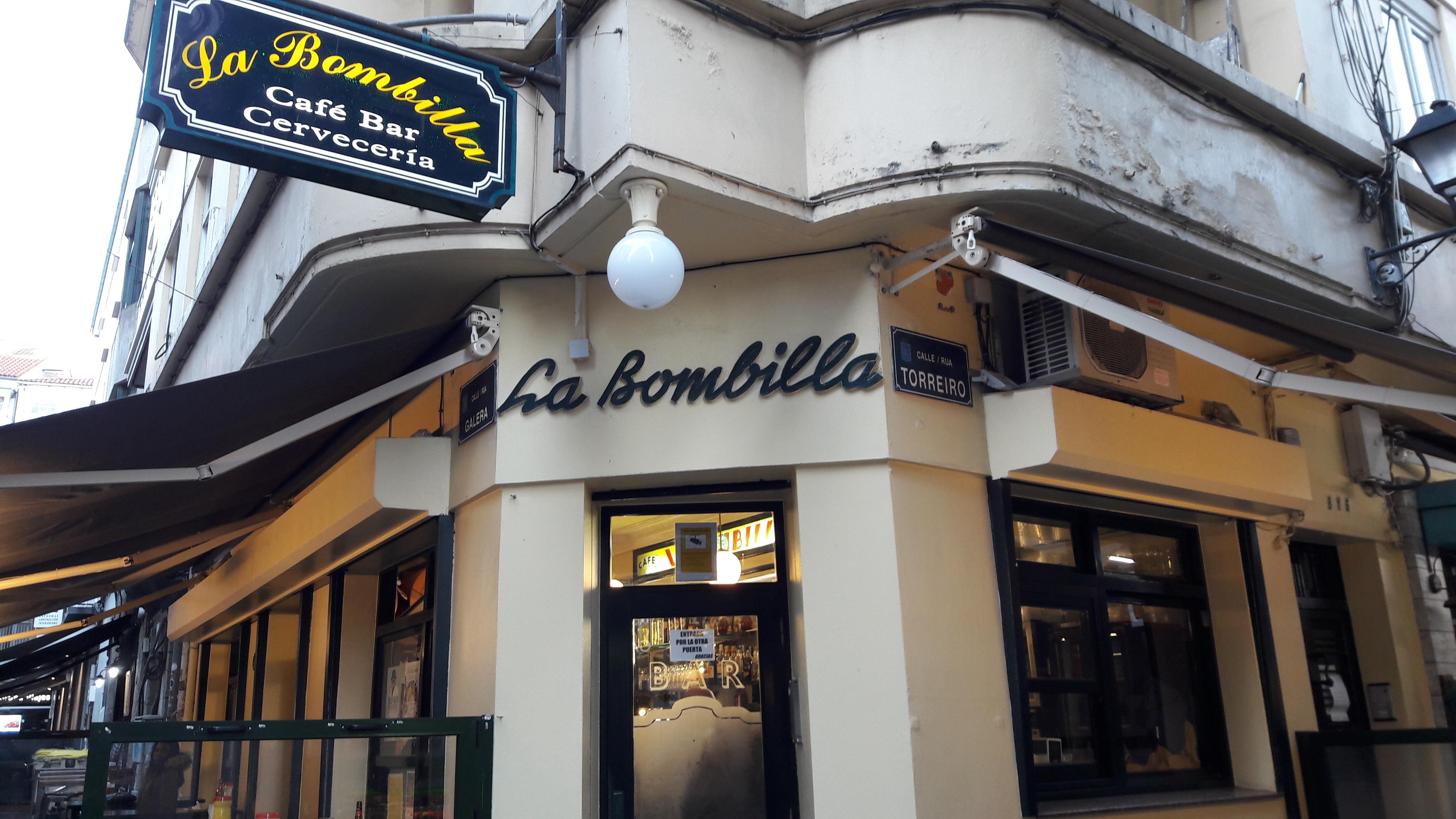 coruna-la-bombilla-bar-old-town-apr17