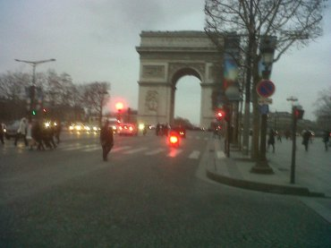 paris-arc-de-triomphe-on-c-e-jan12-copie