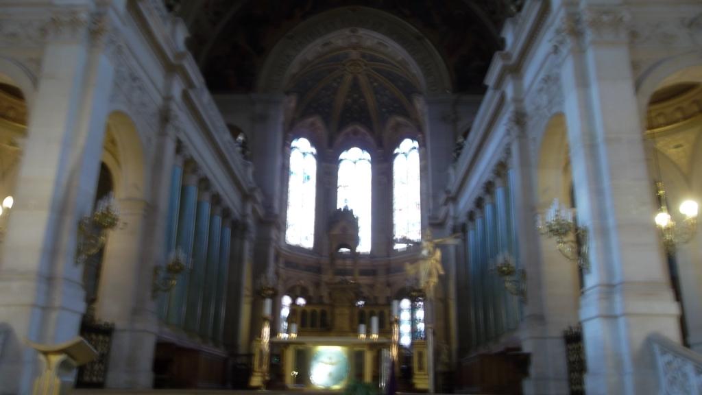 paris-church-la-trinite-nave-mar13