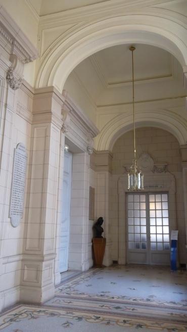 versailles-hotel-de-ville-2fl-mar13