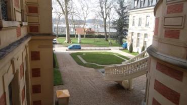 versailles-hotel-de-ville-2fl-to-patio-mar13