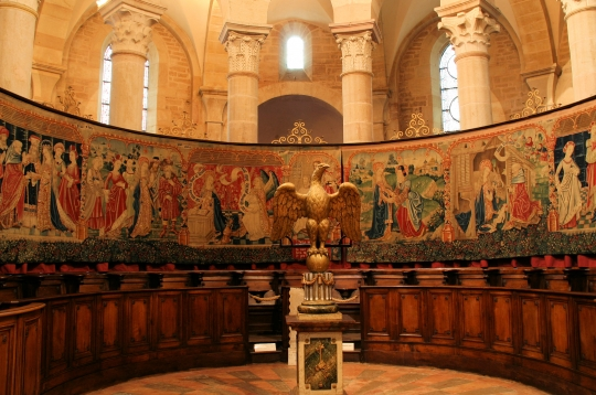 Beaune coll ch notre dame tapestries aug11