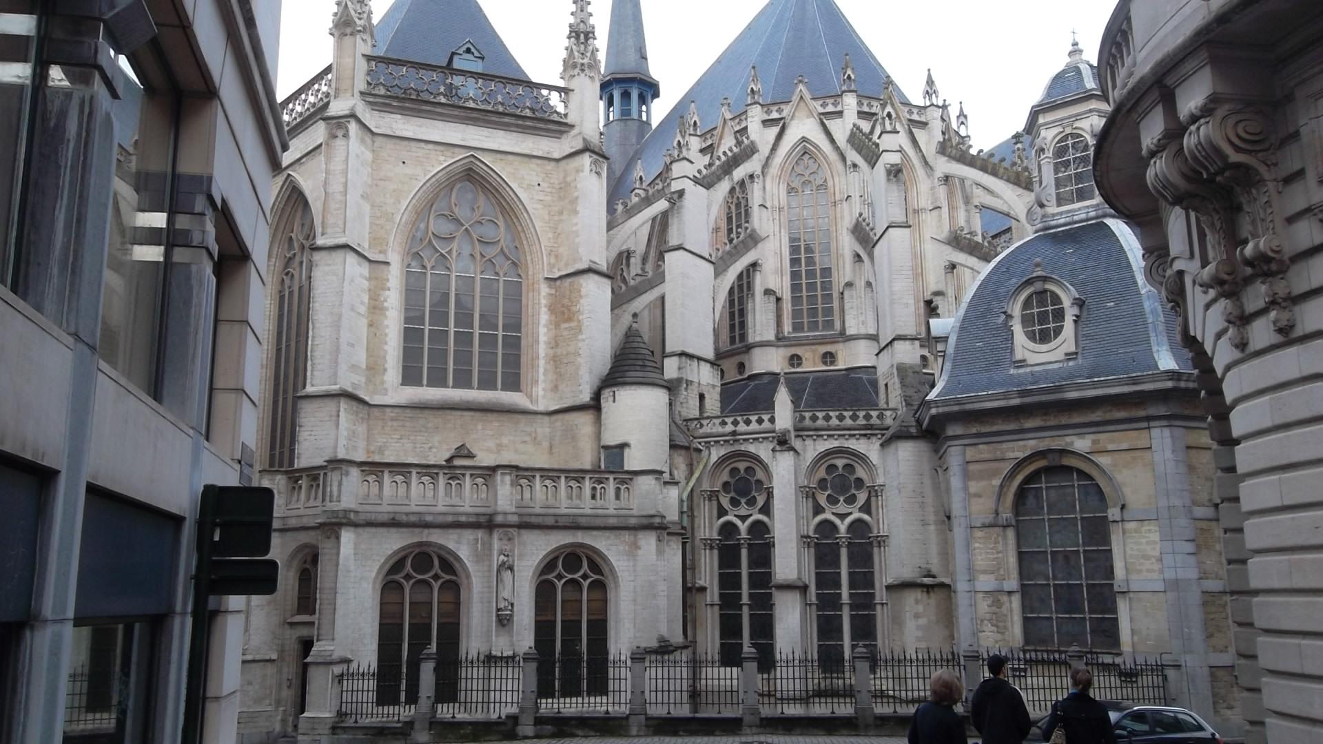 bru-cathedral-st-michel-st-gudule-back-dec12