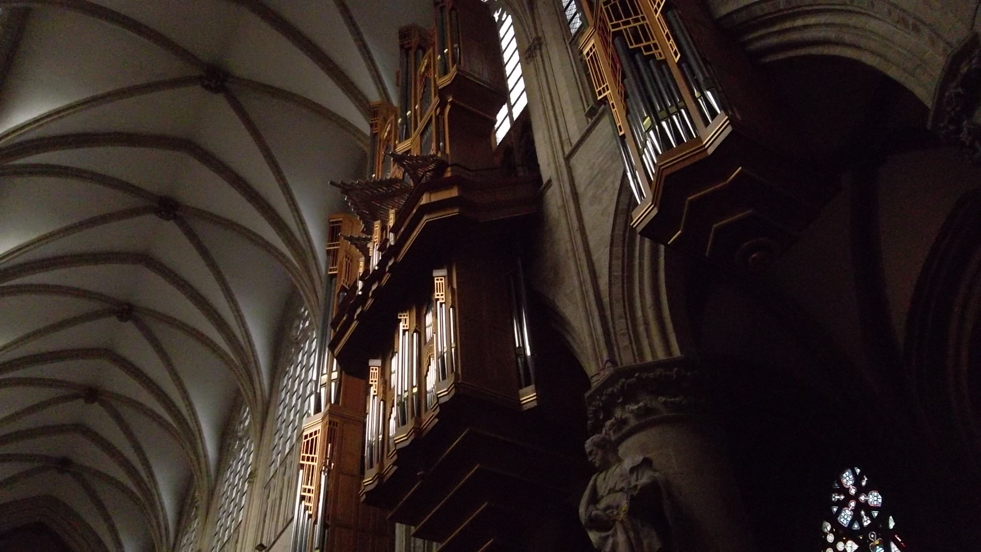 bru-cathedral-st-michel-st-gudule-organ-dec12