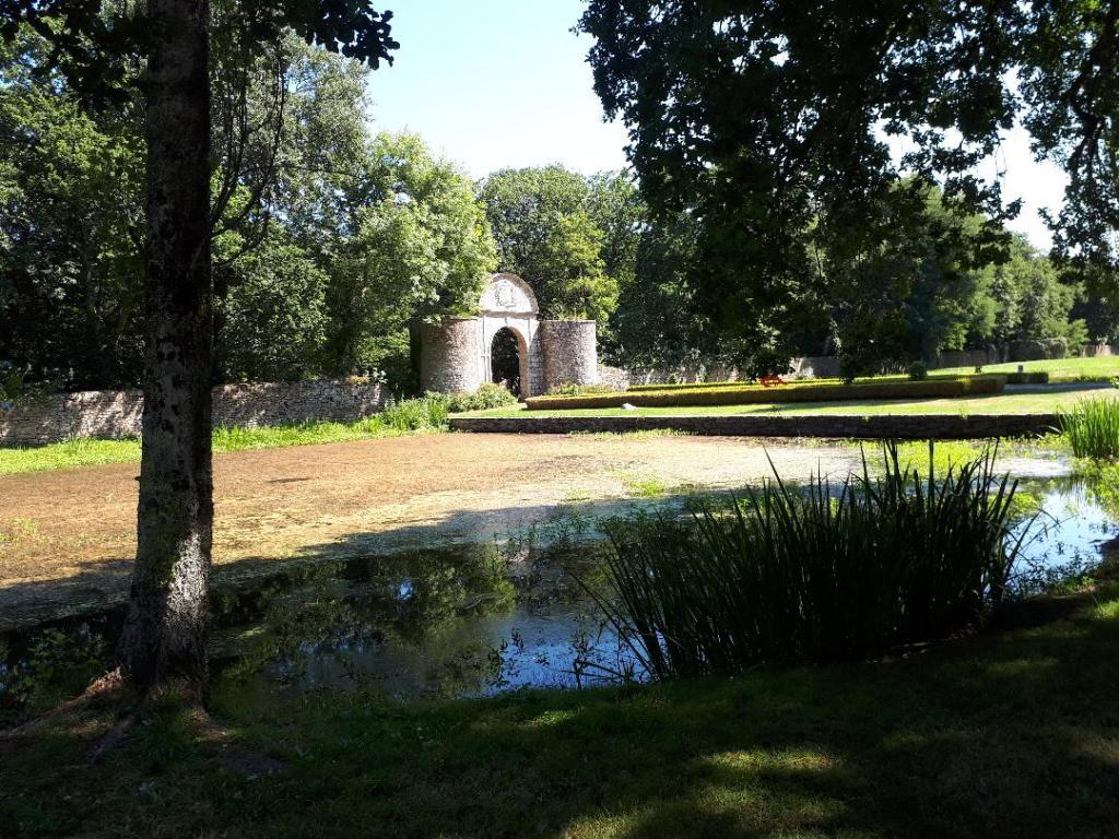 erdeven-keraveon-arriving-main-ent-park-aug18