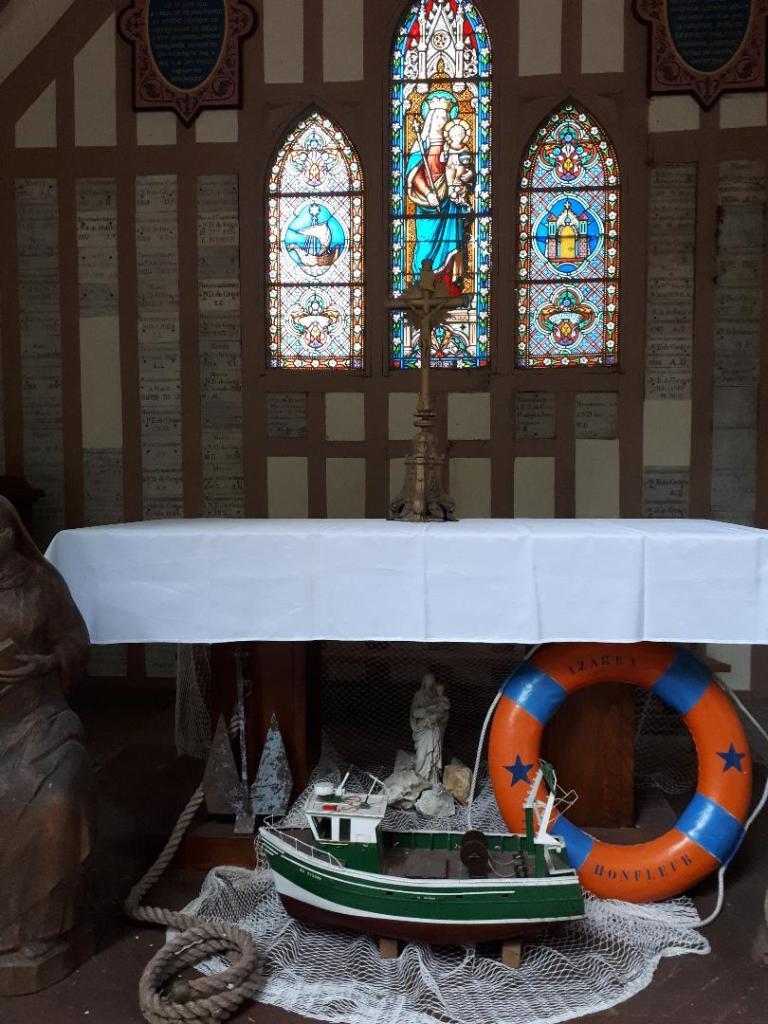 hon-chap-notre-dame-de-grace-mass-fisherman-virgin-chapel-aug18
