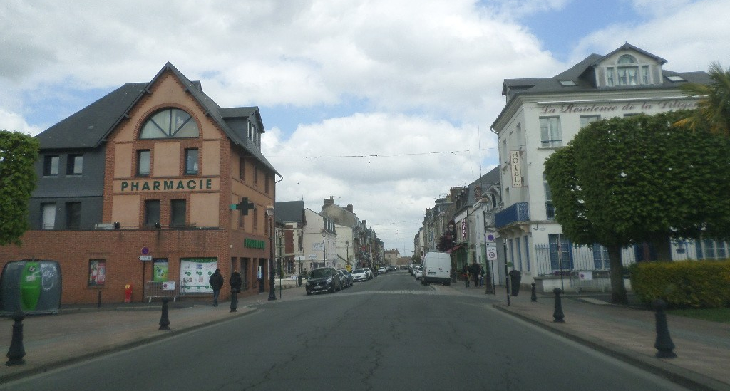 honfleur-rue-de-la-republique-d579-may19