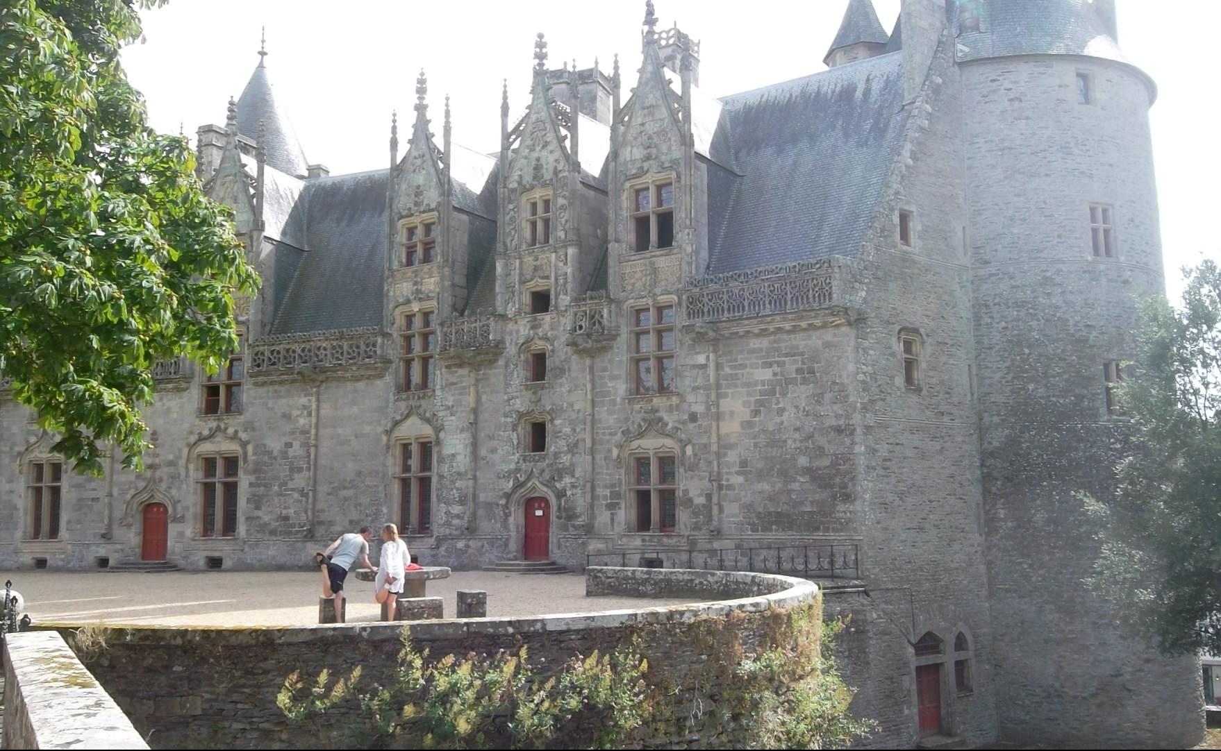 josselin-castle-rohan-right-tower-aug12