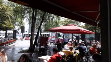 nantes-cafe-des-plantes-across-gare-lunch-with-terrace-view-may17