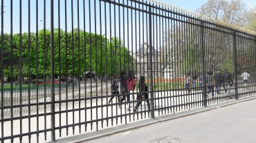 paris-luxembourg-garden-grill-on-st-michel-apr17