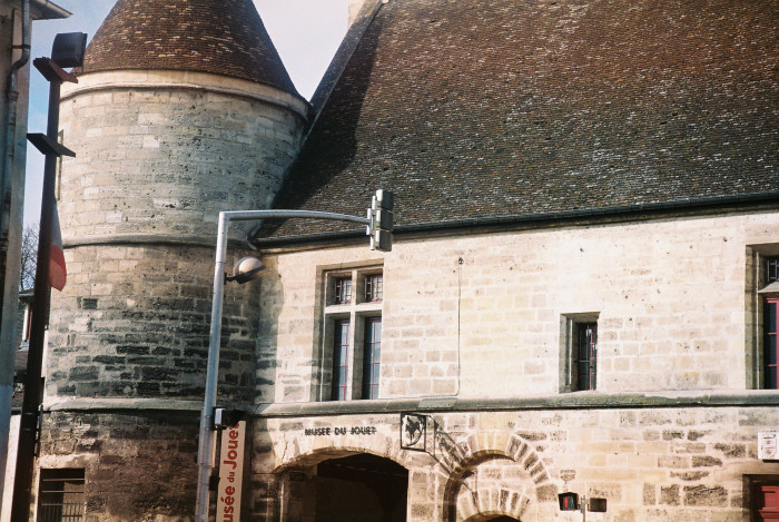 poissy-abbey-tower-toys-museum mars10
