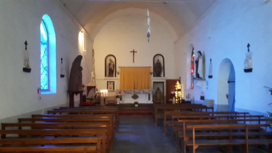 quiberon chapelle st julien nave altar jan21