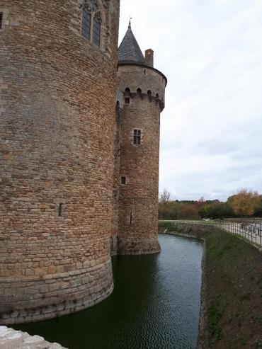sus-castle-right-side-moat-nov18
