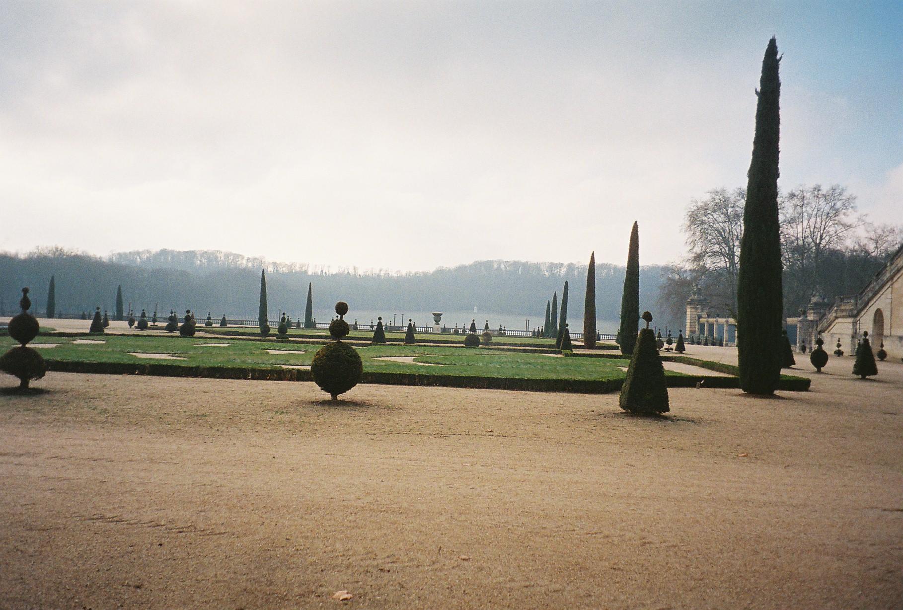 Versailles orangerie to piece d'eau des suisses parc jan11