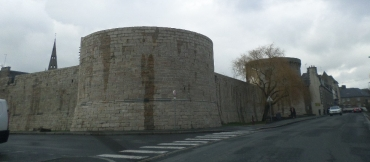 guingamp-chateau-duke-pierre-ii-towers-mar16
