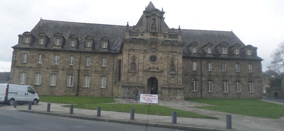 guingamp-hotel-de-ville-pl-de-verdun-mar16