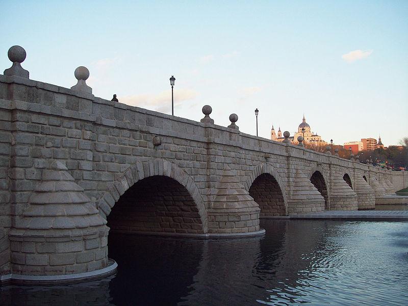 Madrid puente-de-segovia