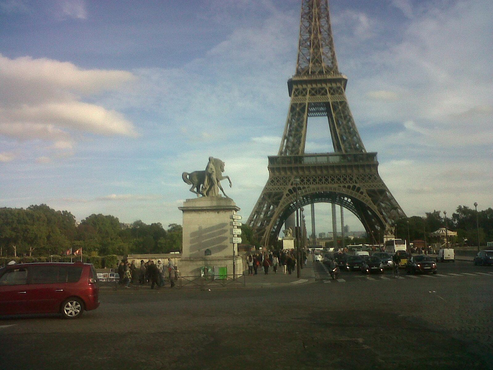 paris-tour-eiffel-from-pont-diena-sep13-1