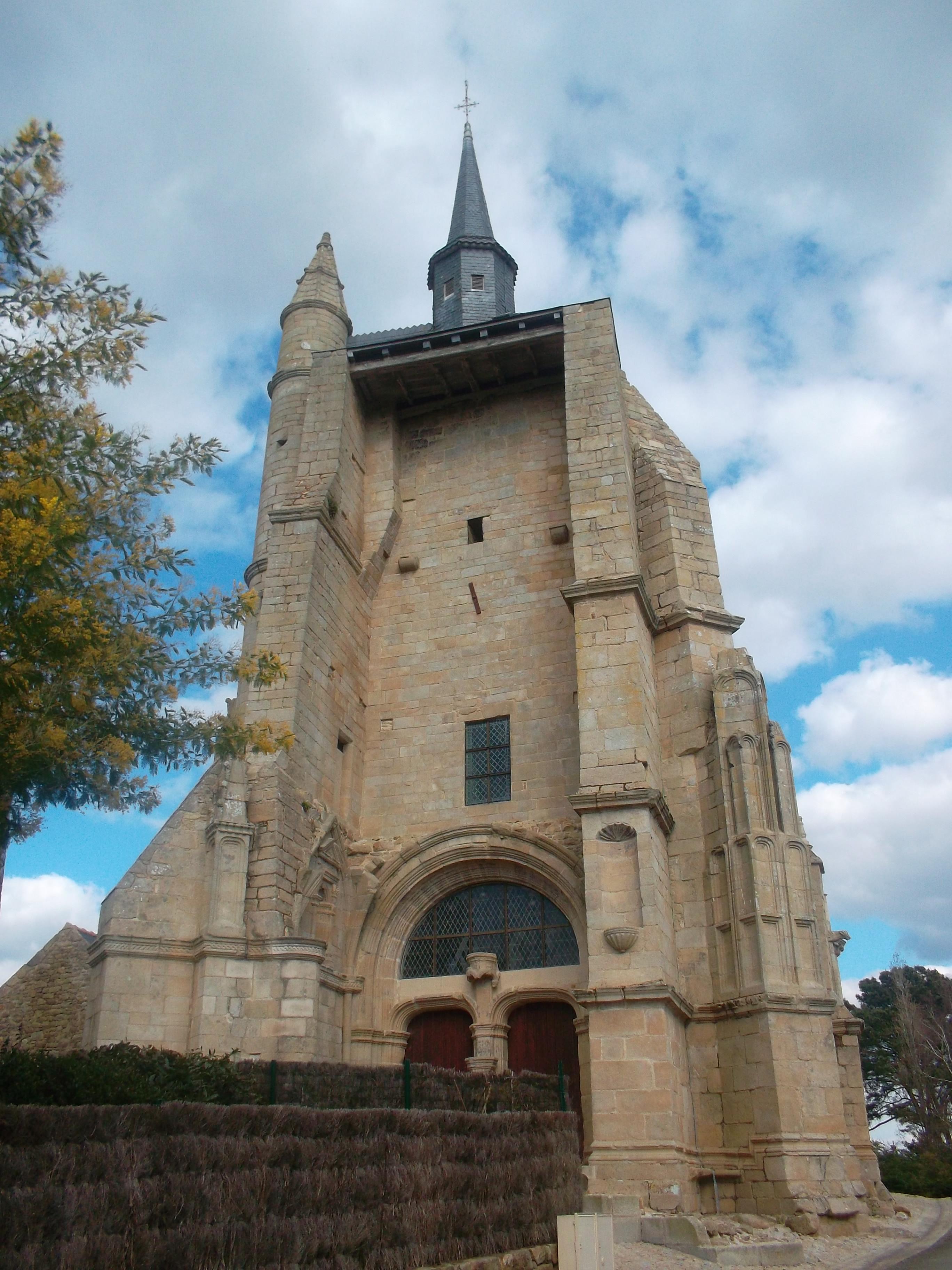 pluneret-chapelle-st-avoye-front-mars12