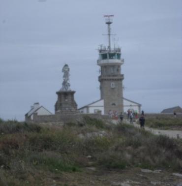 pointe-du-raz-fr-pointe-to-lighthouse-and-nd-des-naufrages-jun17