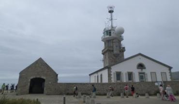 pointe-du-raz-lighthouse-military-welcome-ctr-jun17