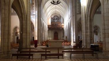 quimper-ch-st-mathieu-back-altar-to-organ-feb13