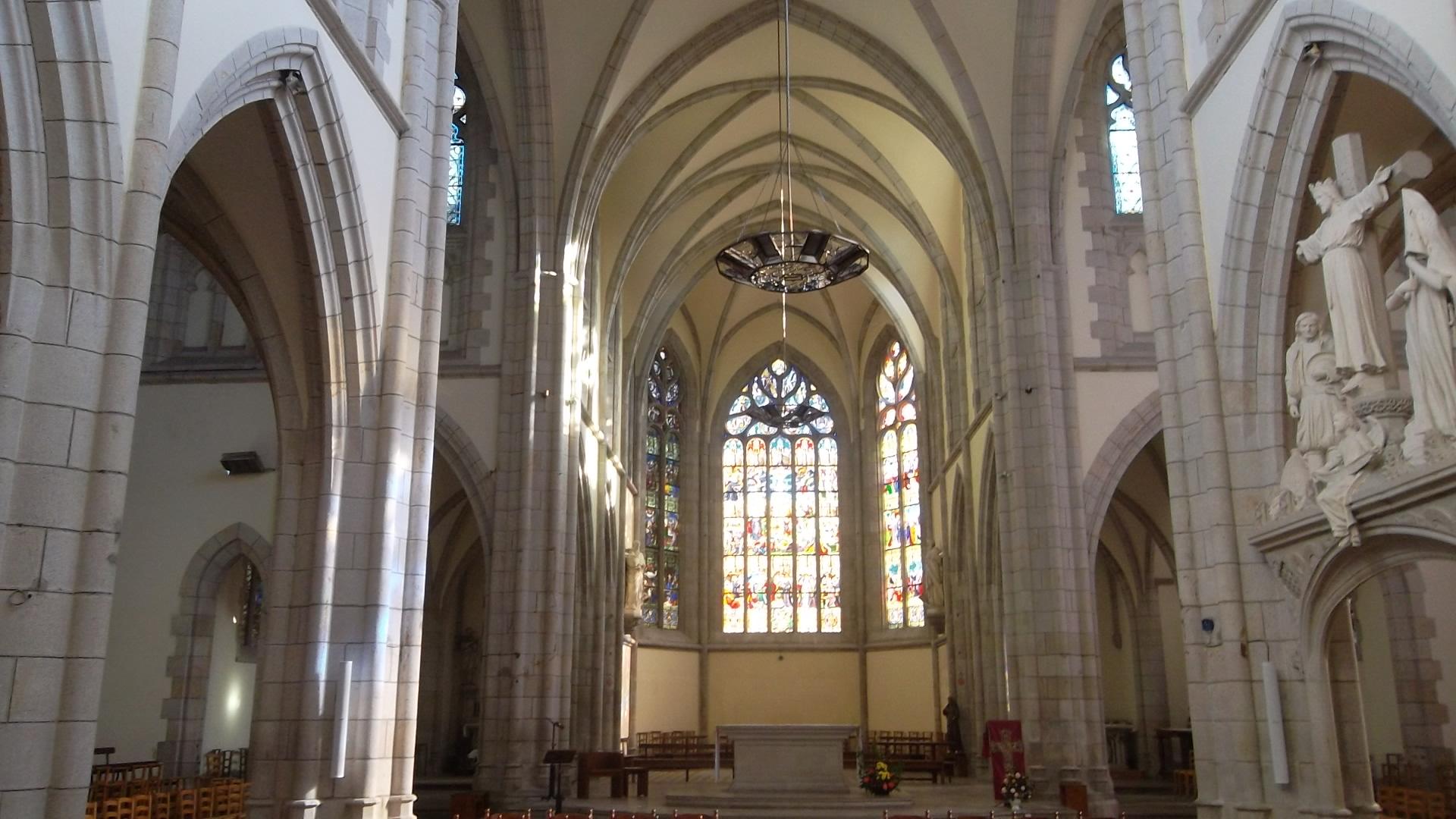 quimper-ch-st-mathieu-nave-feb13