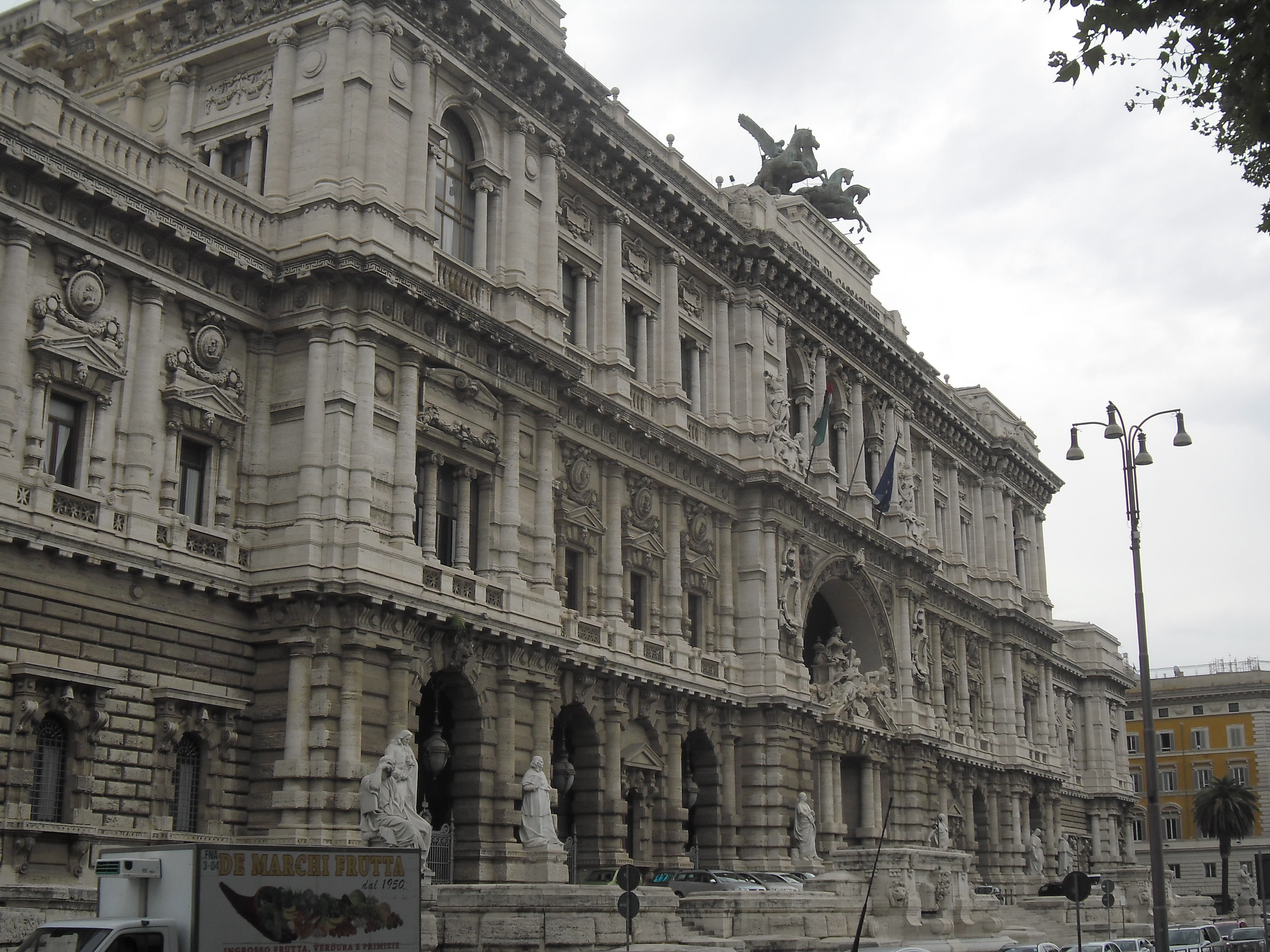 roma-palace-of-justice-aug13