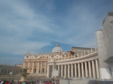 roma-st-peters-side-arches-aug13