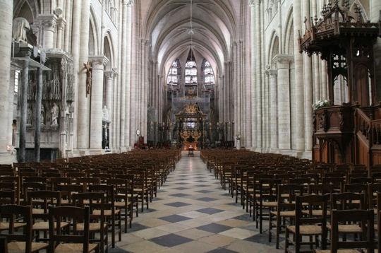 sens-cathedral-sainte-etienne