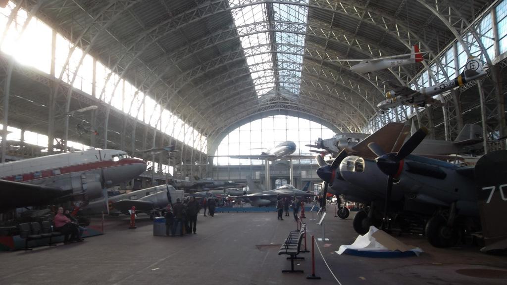 bru-mus-royal-armed-forces-aviation-hall-dec12