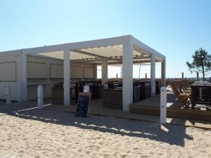 carnac-plage-le-fisher-resto-on-the-grande-plage-may18