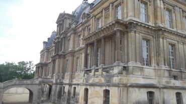 Maisons laffitte castle back jun12