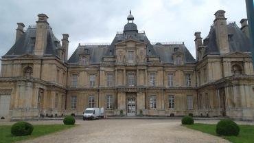 Maisons laffitte castle main ent jun12