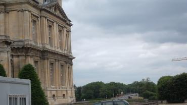 Maisons laffitte castle right side jun12