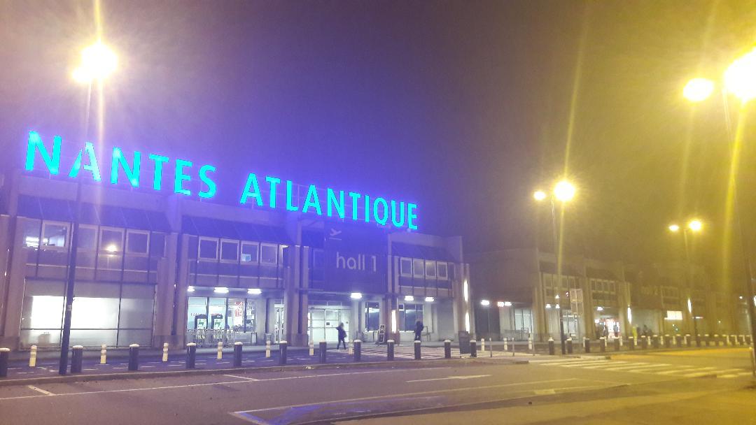 nantes-airport-front-entrance-halls-nov18