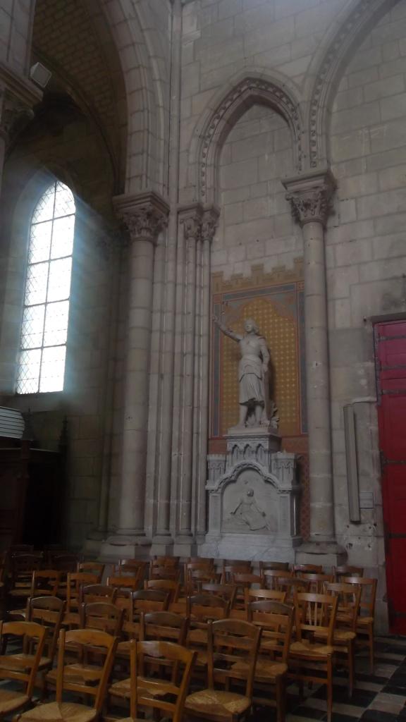 nantes-basilique-saint-nicolas-statue-jeanne-darc-my13