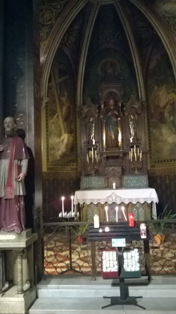 paris-ch-st-francois-de-sales-chapel-sacred-coeur-and-st-francois-de-sales-left-feb16