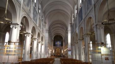 paris-church-notre-dame-des-champs-nave-mar13