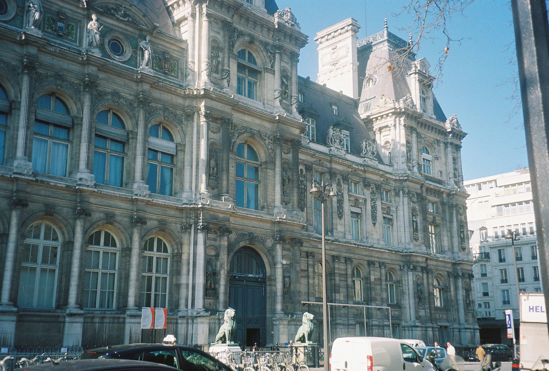 Paris hotel de ville front feb2011