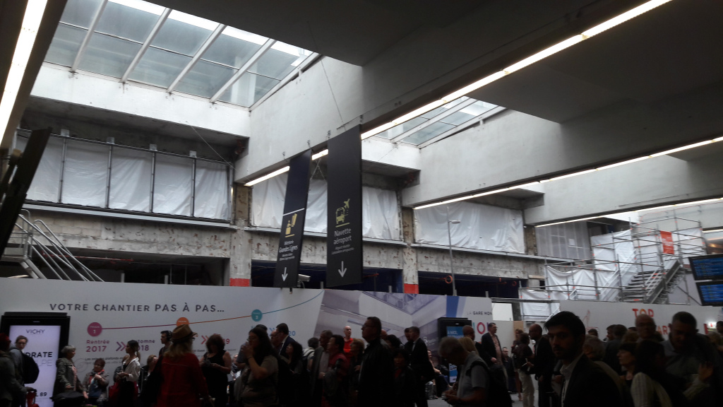 paris-montparnasse-renovation-metro-side-jun18