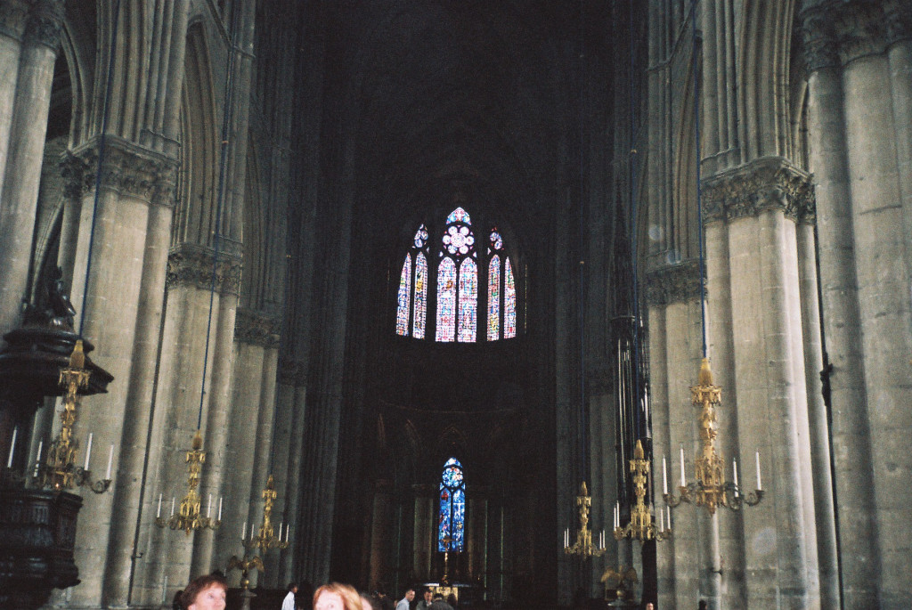 reims-cathedral-notre-dame-nave