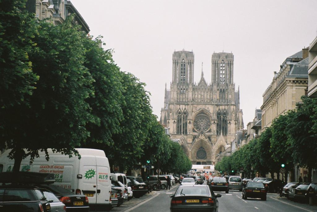 reims-cathedrale-de-reims-rue-lieberger-0507-parking-spot